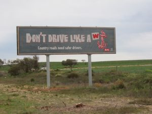 12-weird-funny-highway-signs-1024x768
